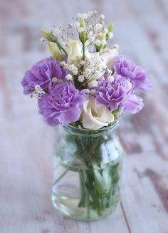 Flowers on We Heart It http://weheartit.com/entry/89512782/via/Luna_mi_Angel