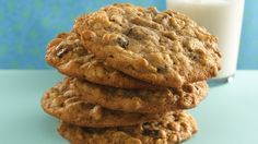 Bite into good old-fashioned homemade goodness with classic oatmeal cookies. You'll find just the right combo of butter, sugar, oats and raisins.