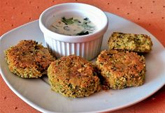 Falafeltallérok tahiniszósszal Falafel, Mashed Potatoes, Muffin, Breakfast, Ethnic Recipes, Food, Deep Frying, Chic Peas, Easy Meals