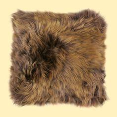Fur pillow <3
