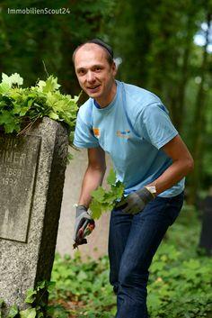 Scouties in Action auf dem jüdischen Friedhof: Es gab viel zu tun! #socialday #scout24social #scout24