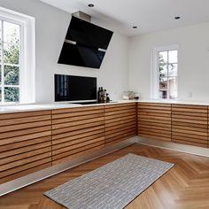 Kitchen Dinning, Kitchen Decor, Kitchen Cabinet Doors, Modern Kitchen Design, Kitchen Furniture, Interior Design Living Room, Cool Kitchens, Home Projects, Ideal Home