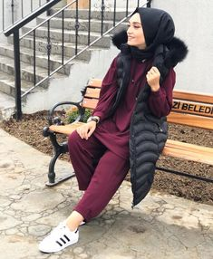 In the last 30 years, the evolution of fashion has been doing parallel with contemporary Niqab Fashion, Muslim Fashion, Fashion Outfits, Casual Hijab Outfit, Hijab Chic, Couple Outfits, Modest Outfits, Hijab Hipster, Hijab Collection