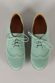 Mode : chaussures vert pastel pour petite fille #green #kids #shoes