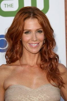 Poppy Montgomery as Carrie Wells Love her hair color Beautiful Red Hair, Gorgeous Redhead, Beautiful Women, Poppy Montgomery Hair, Elizabeth Montgomery, Brunette Beauty, Hair Beauty, Red Carpet Hair, Hot Hair Styles