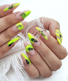20 simple and cute summer nails ideas – neon nail art Neon Nail Art, Neon Nails, Yellow Nails, Nail Art Diy, Best Acrylic Nails, Summer Acrylic Nails, Cute Summer Nails, Spring Nails, Fire Nails