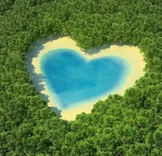 Heart Shaped Lake In Pictures And Images - Interesting Places to Visit - Top Vacation Travel Destinations on imgfave Heart In Nature, Heart Art, I Love Heart, Happy Heart, Photo Sur Aluminium, Foto Poster, World Environment Day, Heart Images, Happy Images
