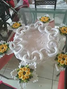 Easy diy ideas you need to try beaded smocking – artofit Flower Embroidery Designs, Crochet Flower Patterns, Crochet Motif, Crochet Designs, Knitting Designs, Crochet Doilies, Crochet Flowers, Knitting Patterns, Crochet Mask