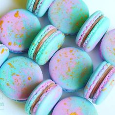 Mermaid macarons filled with a Speculoos Cookie Butter Cream traderjoeshellip Best Macaron Recipe, French Macarons Recipe, Macaroon Recipes, Cute Desserts, Delicious Desserts, Yummy Food, Best Swiss Meringue Buttercream Recipe, Fun Baking Recipes, Dessert Recipes