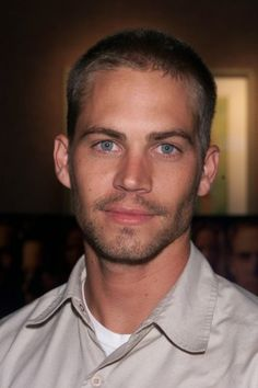 Paul Walker Pictures: Hot Photos of Paul Walker, Red Carpet, Page 1 | Hollyscoop