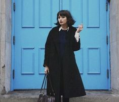 Taylor Lashae's Great Wave Medium Hairstyle and Chic Outfits Especially for Round Face Women to Copy Taylor Lashae, Gamine Style, Soft Gamine, Estilo Grunge, Penelope, Parisian Chic, Looks Cool, Belle Photo, What To Wear