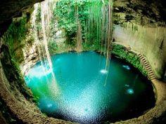 Cenote Sagrado de Chichén Itzá La Mordida