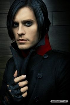 Jared Leto - 30 Seconds to Mars love this look
