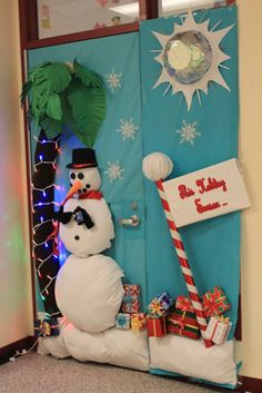 Barbeau takes first place in door decorating – The Downey Legend Christmas Door Decorating Contest, Office Christmas Decorations, School Decorations, A Christmas Story, Christmas Fun, Christmas Lights, Holiday Crafts, Holiday Fun, Art Room Doors