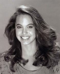 Анджелина Джоли в молодости (36 фото)