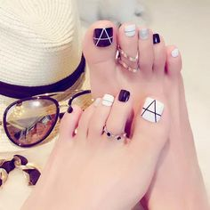 Pretty Toe Nails, Cute Toe Nails, Pretty Toes, Toe Nail Art, Toe Nail Designs, Nail Polish Designs, Pedicure, Acyrlic Nails, Nail Art Videos