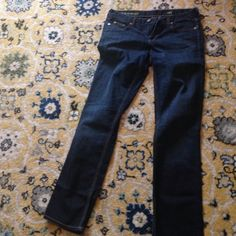 Jcrew bundle! Two pairs of jeans! Jcrew bundle! One pair of dark denim matchstick jeans and one pair of hipslung Capri dark denim jeans. Both pairs super cute very gently worn. J. Crew Jeans Ankle & Cropped
