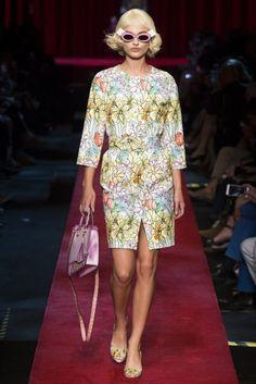 Moschino Milan Spring/Summer 2017 Ready-To-Wear Collection | British Vogue