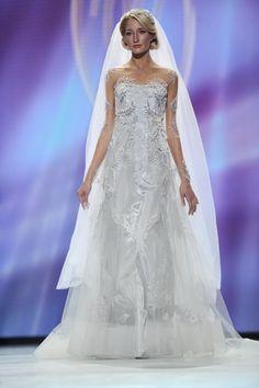 russian wedding dress by valentin yudashkin