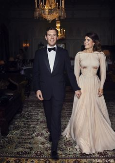Princess Eugenie wore a second wedding dress that broke tradition in a big way for her evening reception. See the Zac Posen gown. Famous Wedding Dresses, Second Wedding Dresses, Second Weddings, Royal Weddings, Zac Posen, Best Suits For Men, Royal Family Trees, Eugenie Of York, Sarah Ferguson