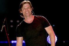 Nasvhille and The O. star Chris Carmack is joining Season 15 of Grey's Anatomy as an orthopedic surgeon. Chris Carmack, Greys Anatomy Season, Tv Guide, Nashville, Beautiful People, It Cast, Seasons, Grey's Anatomy, Babe