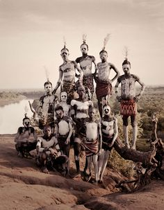 Photographer Jimmy Nelson, Portraits Of Disappearing Tribal Groups: Karo, Ethiopia We Are The World, People Around The World, Jimmy Nelson, Foto Portrait, Indigenous Tribes, Tribal People, African Tribes, Indian Tribes, Out Of Africa