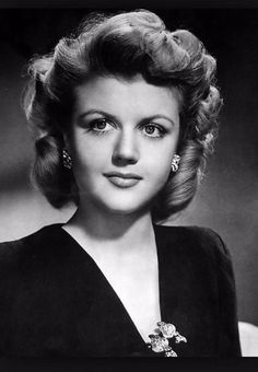 The Hollywood Living Legend: Look at the Beauty of Young Angela Lansbury From Between the 1940s and 1950s