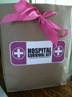 Adventures in the Anderl House.: Hospital Survival Kit for New Moms Gifts For New Parents, Gifts For Mom, Baby Gifts, Simple Gifts, Cool Gifts, Survival Kit Gifts, Baby Shower Gift Bags, Hospital Gifts, Presents For Mom