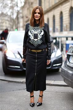 Christine Centenera wearing a Balmain sweater Paris from his Autumn/Winter 2013 Collection Cool Street Fashion, Paris Fashion, Winter Fashion, Women's Fashion, Fashion Weeks, Fashion Photo, Fashion Design, Balmain Sweater, Christine Centenera