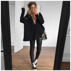 Discover recipes, home ideas, style inspiration and other ideas to try. Nike Blazers Outfit, Blazer Outfits For Women, Legging Outfits, Nike Outfits, Nike Blazer Black, Look Legging, Look Fashion, Nike Shoes, Nike Sneakers
