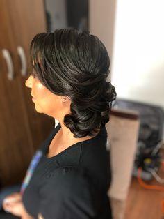 Coque lateral,ideal para as madrinhas😉 Penteado feito por mim