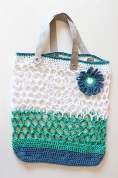 Jahre Retro – Einkaufsnetz Shopping bag, crochet net, with instructions, with flower, with handles made of SnapPap Knitting Websites, Knitting Blogs, Knitting Patterns, Crochet Patterns, Knitted Washcloth Patterns, Diy Handbag, Crochet Bracelet, Patchwork Bags, Basket Bag