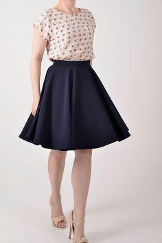 Navy blue circle skirt van Mokkafiveoclock op Etsy, $49.00