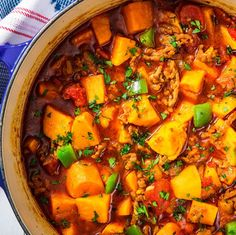 Low-Carb Sweet Potato Chili Will Warm You Up Without Weighing You DownDelish Best Chilli Recipe, Chilli Recipes, Soup Recipes, Cooking Recipes, Paleo Recipes, Paleo Meals, Healthy Dinners, Paleo Diet, Ketogenic Diet