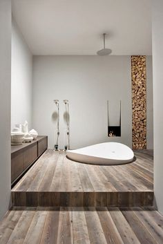 25 MINIMALIST BATHROOM DESIGN IDEAS http://maisonvalentina.net/blog/minimalist-bathroom-design-ideas/ #minimalistbathroom #bathroomdesign #bathroomideas #blackbathroom #whitebathroom #luxurybathroom #interiordesign #designideas #exclusivedesign #simplydesign #luxury #bathroom #bathtubs #marble #bathroommarble