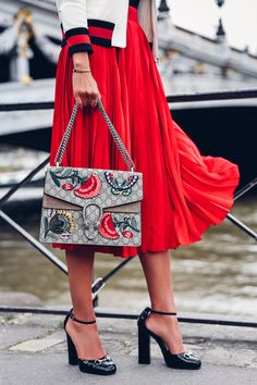Paris Fashion Week Ready With KÉrastase - Gucci Shoes - Latest and fashionable gucci shoes - TheVivaLuxury Fashion Week Paris, New York Fashion, Street Fashion, Fashion Weeks, Look Fashion, Luxury Fashion, Womens Fashion, Fashion Trends, Fashion 2016