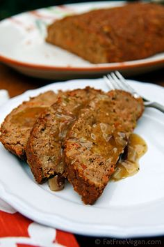 Gluten-free, Vegan Thanksgiving Meatless Loaf from FatFree Vegan Kitchen Thanksgiving Recipes, Holiday Recipes, Dinner Recipes, Lunch Recipes, Vegetarian Thanksgiving Main Dish, Thanksgiving Parties, Whole Food Recipes, Cooking Recipes, Food Porn