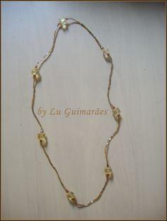 Maravilhoso colar com Cristais e vidrilhos R$ 26,00