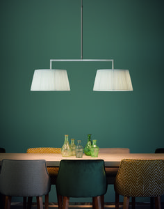 LUA is a pendant with a telescopic stem that allows you to adjust its length. It is a combination of craftsmanship and timeless design; two of Bover's essential characteristics. Lua brings warm lighting to any environment.