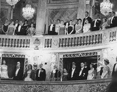1961. 1er Juin. Palais de Versailles. Opéra royal. Le Président Kennedy et Madame, le Général de Gaulle et Madame