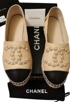 Chanel Camilla Flower Stud Leather 2015 Collection Espadrilles Flats. Get the lowest price on Chanel Camilla Flower Stud Leather 2015 Collection Espadrilles Flats and other fabulous designer clothing and accessories! Shop Tradesy now