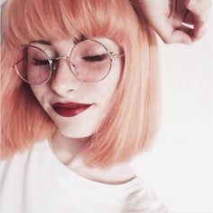 Forget blond hair and dark brows — we're thinking sunset streaks and defined arches are the new dynamic duo. #refinery29 http://www.refinery29.com/2017/01/136926/blorange-hair-color-trend#slide-11