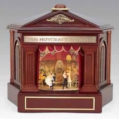 Wood Theatre music box. *Gasp*!