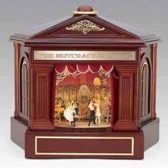 Wood Theatre music box. *Gasp*!