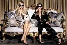 Well known Paris + Nicky Hilton channel the equally famous sister duo Jackie + Joan Collins in this shot by Jake Bailey :) Star Fashion, Fashion Beauty, Famous Sisters, Nicky Hilton, Joan Collins, Sister Love, Queen, Paris Hilton, Golden Girls
