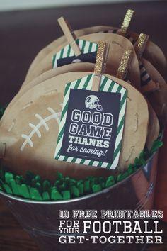 10 Free Football Printables for a Super Bowl / Football Party Football Birthday, Sports Birthday, Sports Party, 1st Birthday Parties, Birthday Ideas, 7th Birthday, Nfl Party, Game Party, Soccer Party