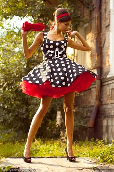 Too short for retro, but love the look. Too short for retro, but love the look. Sexy Dresses, Cute Dresses, Beautiful Dresses, Vintage Dresses, Vintage Outfits, Short Dresses, Cute Outfits, Tight Dresses, Rockabilly Mode