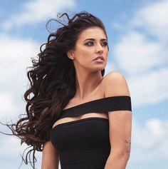 Antonia Iacobescu ( – Hair Plus Bare Fashion Corner, Beautiful Wife, Girls Image, Woman Face, Dark Hair, Cute Hairstyles, Hair Makeup, Beauty Makeup, Curly Hair Styles