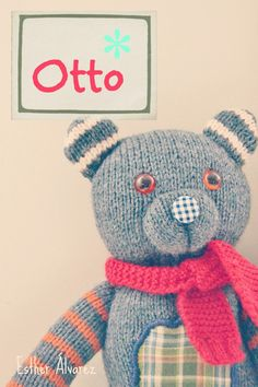 How to make a knitted bear: step by step tutorial Knitted Dolls, Crochet Toys, Addi Express, Reindeer Noses, Knitted Teddy Bear, Sock Toys, Recycled Sweaters, Knitted Animals, Bear Doll
