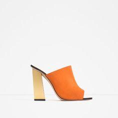 Image 1 de SANDALES EN CUIR OUVERTES AU TALON de Zara